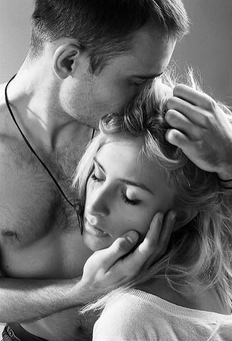 Психология мужчин в отношениях. Как пробудить в нем нежность?